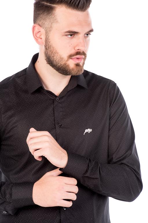 Camisa Slim Argali Kauai Preto Intense (detalhe)